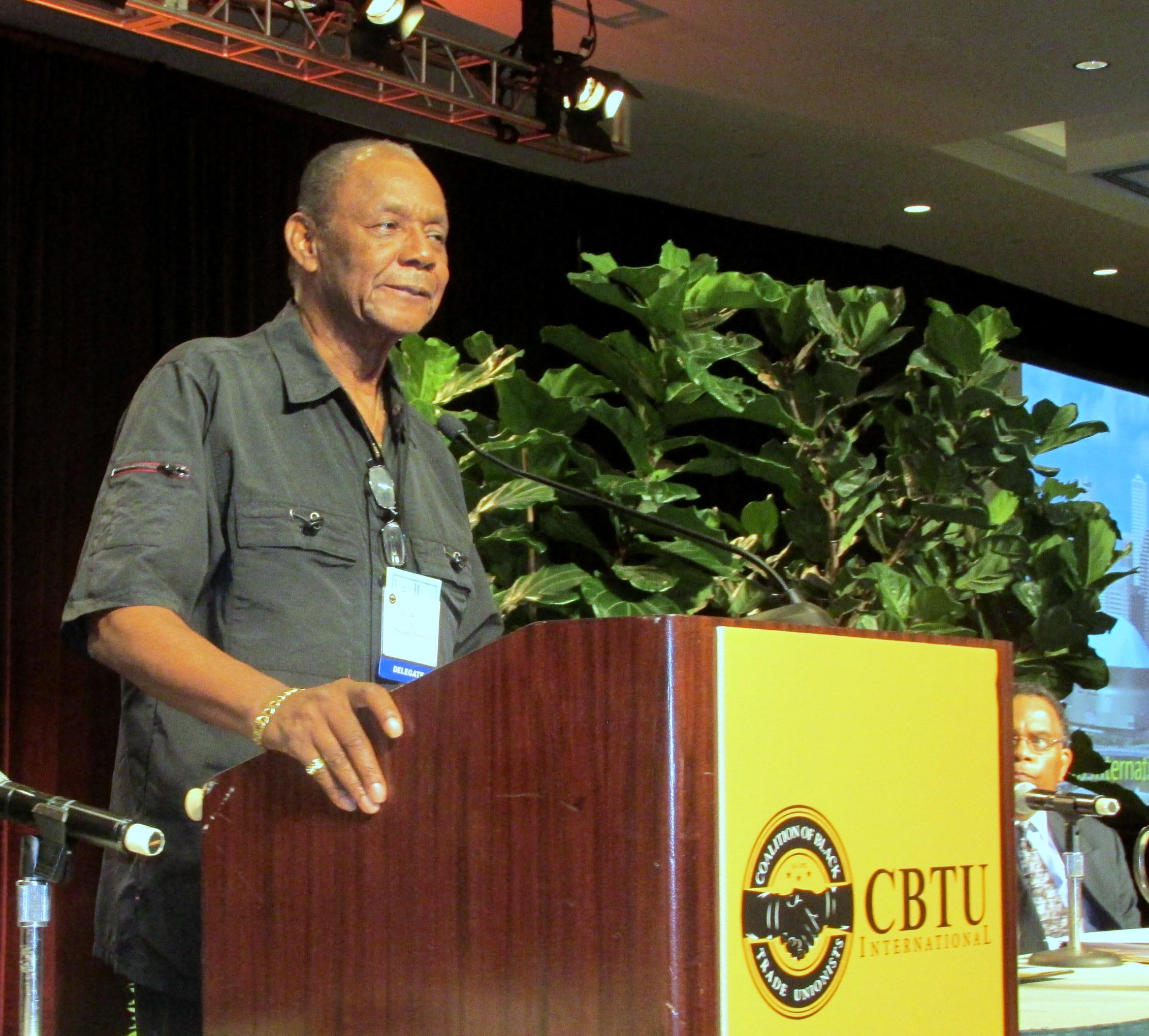 CBTU-Photo-2017-Convention-Bill-Lucy-at-podium