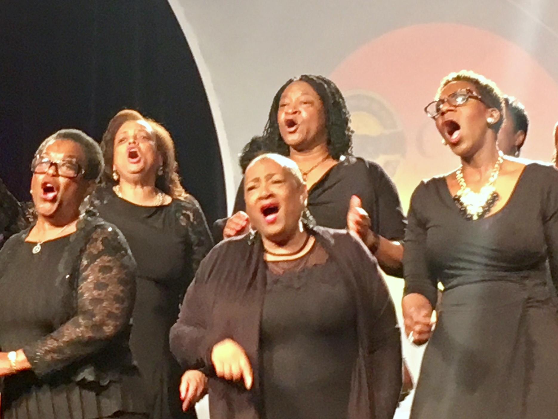 CBTU-Photo-2017-Convention-Choir-dynamic-group-shot