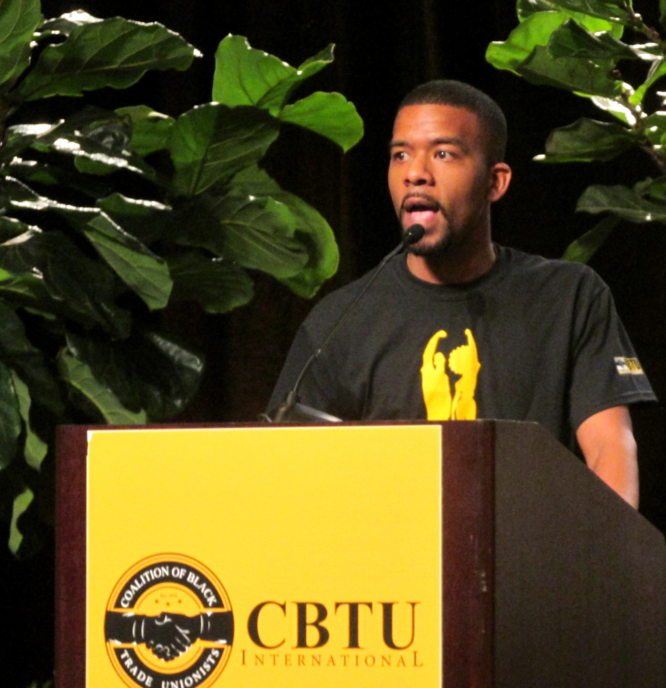 CBTU-Photo-2017-Convention-young-brother-at-podium